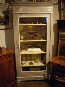 bonnetière vitrine antiquité louineau vendee