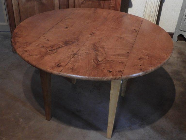 Table ronde à volets en frêne